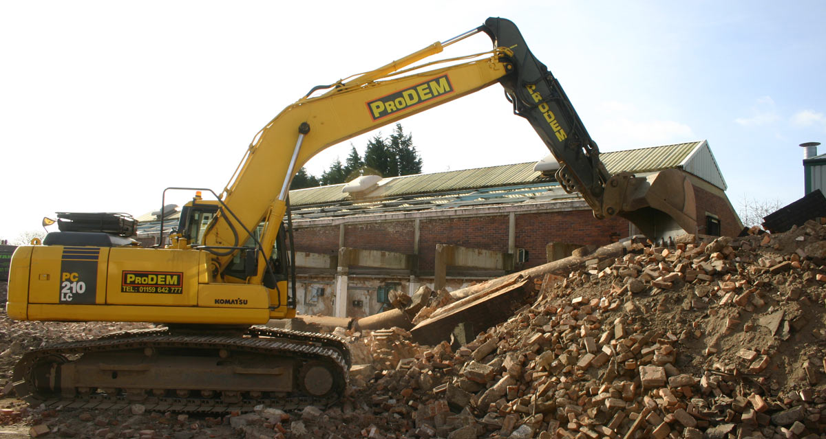 What should I look for in a demolition contractor?